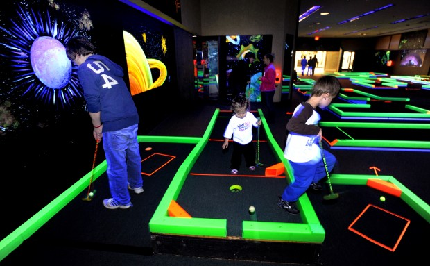 Glow In The Dark Miniature Golf Opens At Mall Local News