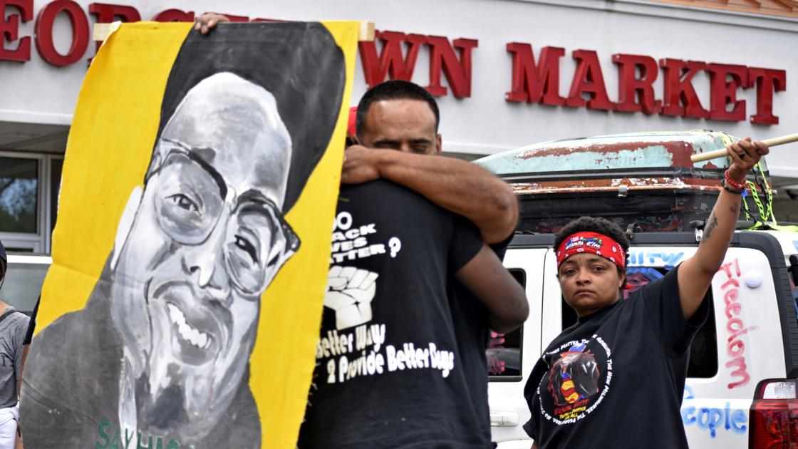 Milwaukee activists pass through county on way to Washington, D.C.