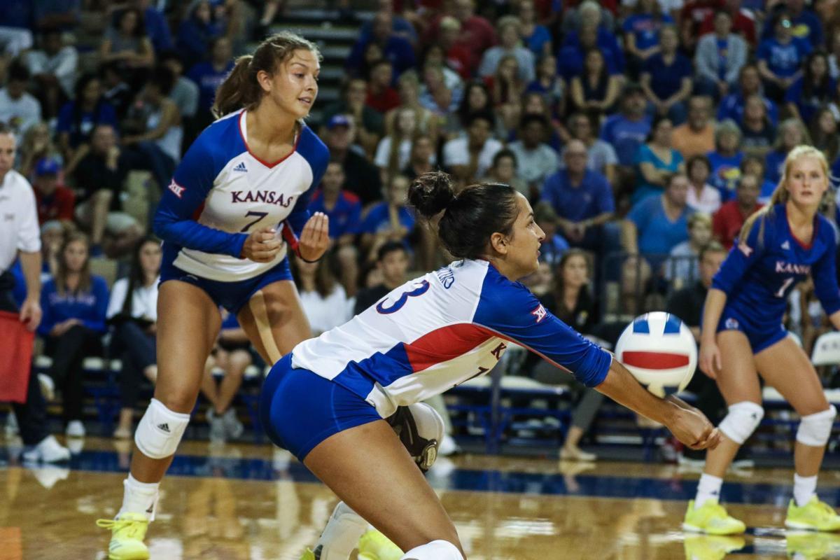 Volleyball vs UMKC-6.jpg