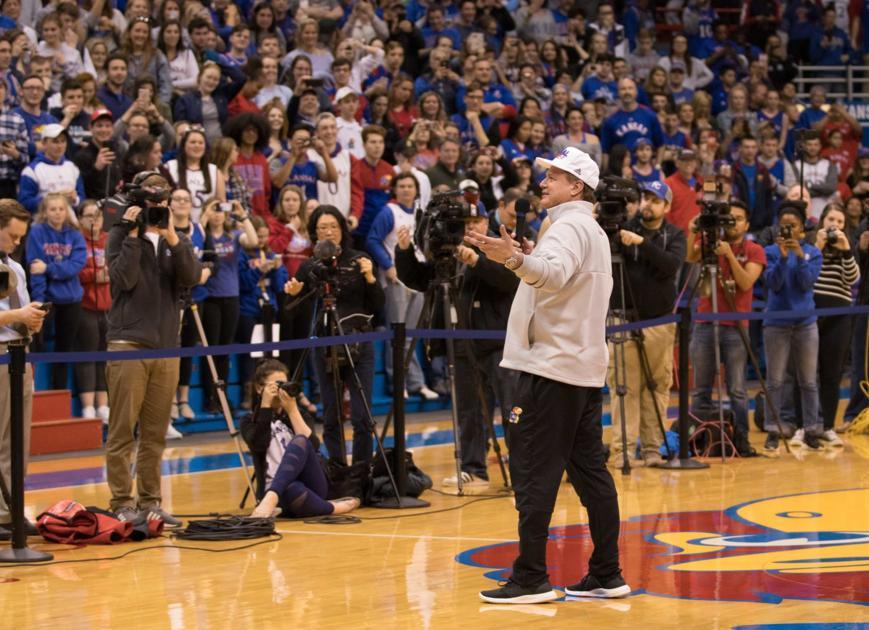 Kansas basketball meets ecstatic home crowd following ...