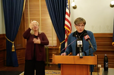 laura kelly announces mask requirement
