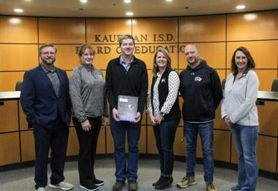 Borders and Long Oil helps secure grants for Kaufman schools
