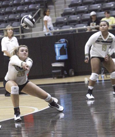 Kaufman volleyball team correcting course after early stumbles