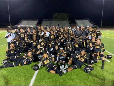 Crandall football team wins district title