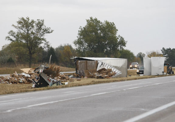 I-80 crash hurts 35