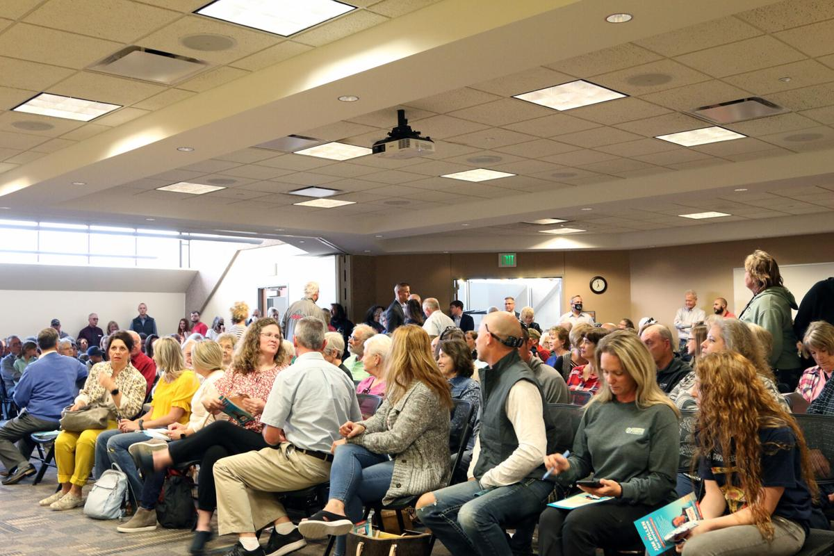 Crow at the Kearney Public Library for Gov. Pete Ricketts