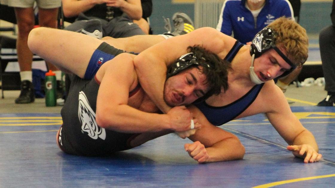 Lopers win all but one match in wrestling dual with Eagles