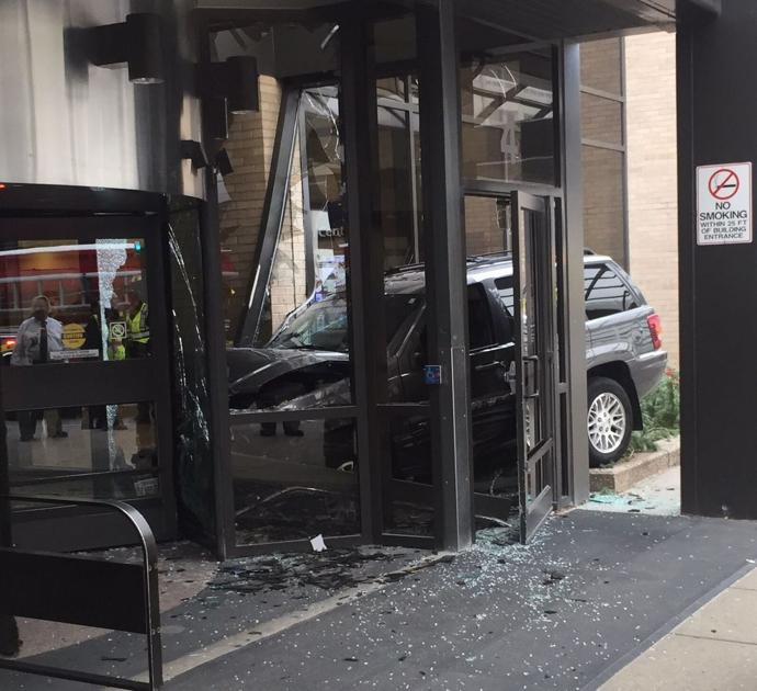 SUV crashes into Eppley Airfield terminal; 3 people injured