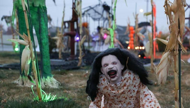 Mauler Halloween 2020 Mauler's 'fun scary' Halloween decorations delight everyone from 2