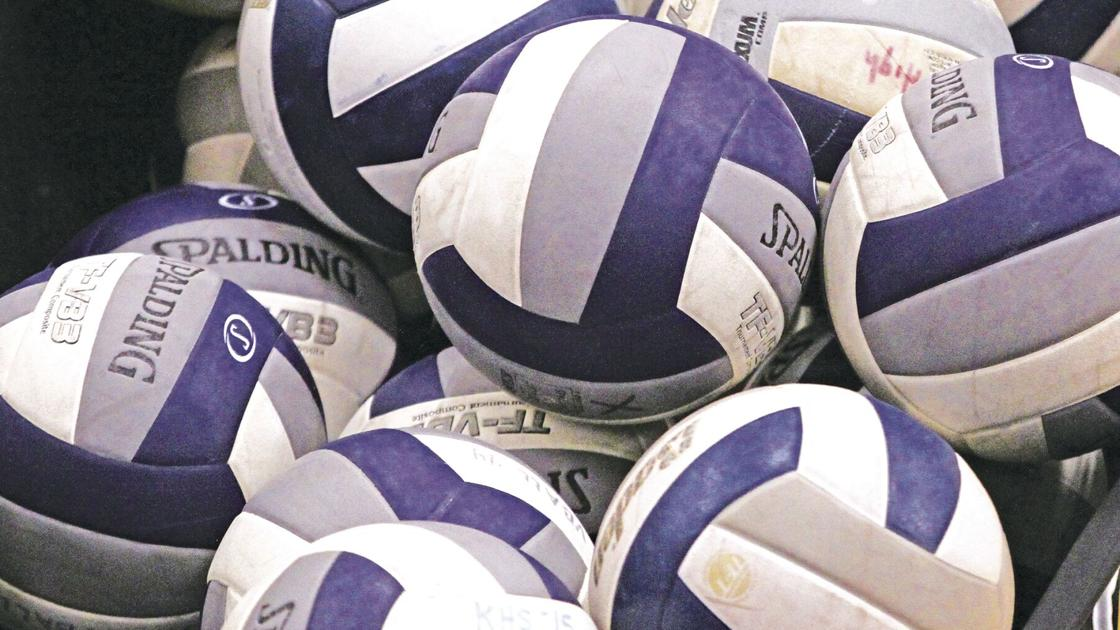 Metro knocks off Loper volleyball in four-set match