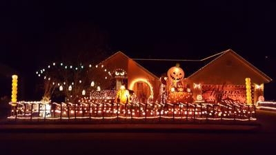 Scott Whitneys Halloween House