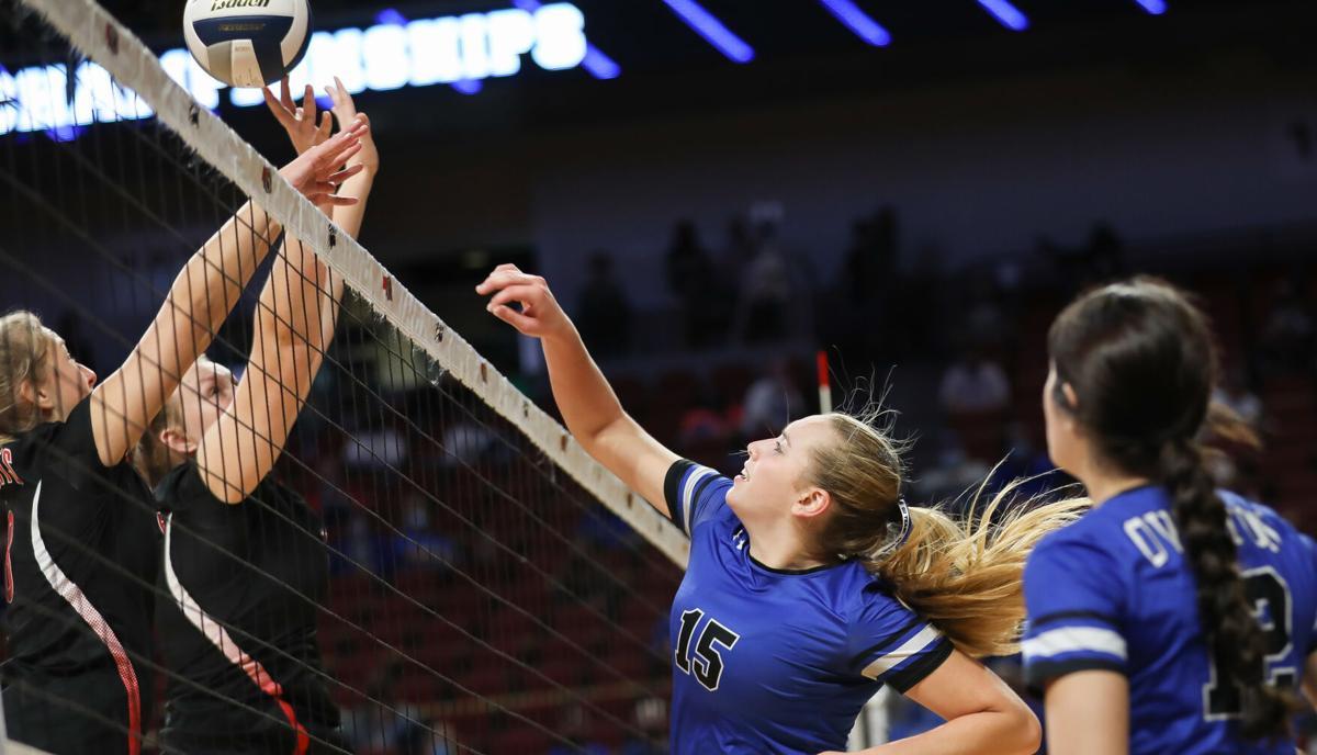 11-6 Overton vs. Norfolk Catholic state volleyball-04.jpg