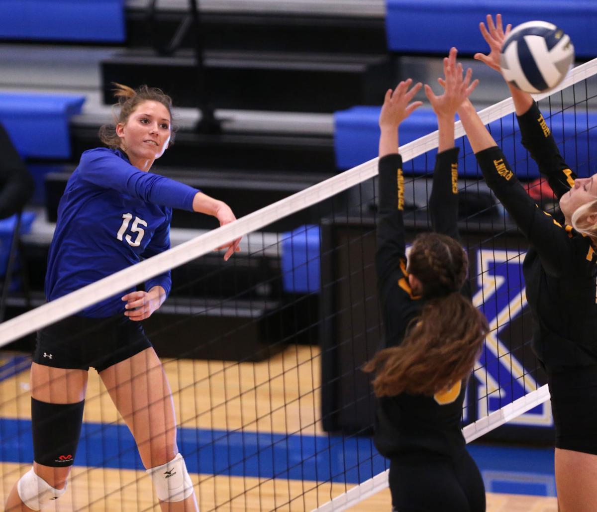 Tuesday Night S Hub Territory Volleyball Leaders High School Kearneyhub Com