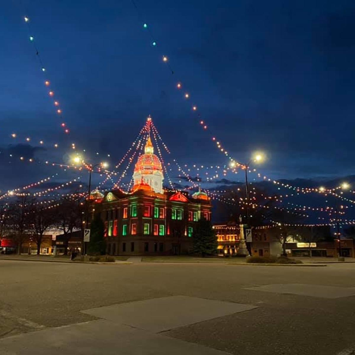 Lincoln Nebraska Christmas Lights 2021 Minden Turns On Christmas Lights A Symbol Of Hope In The Midst Of A Pandemic Local News Kearneyhub Com