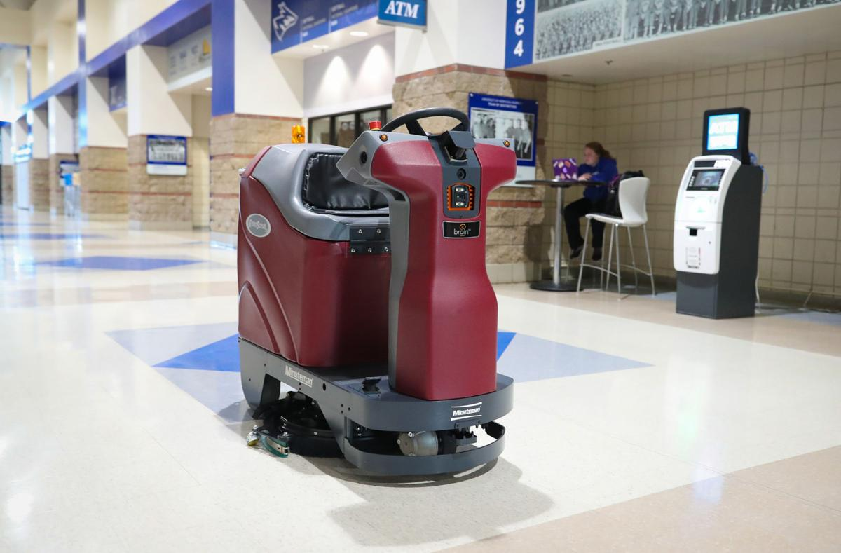 UNK robotic scrubber
