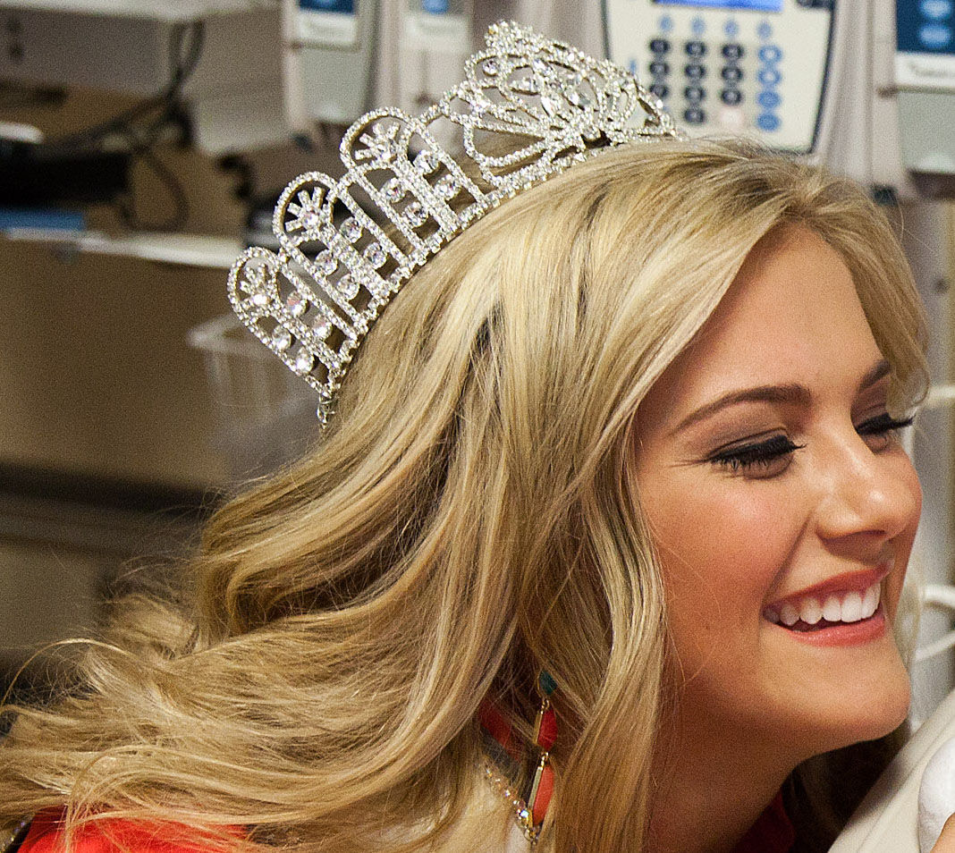 Omaha Native Sarah Rose Summers Crowned Miss Nebraska Usa