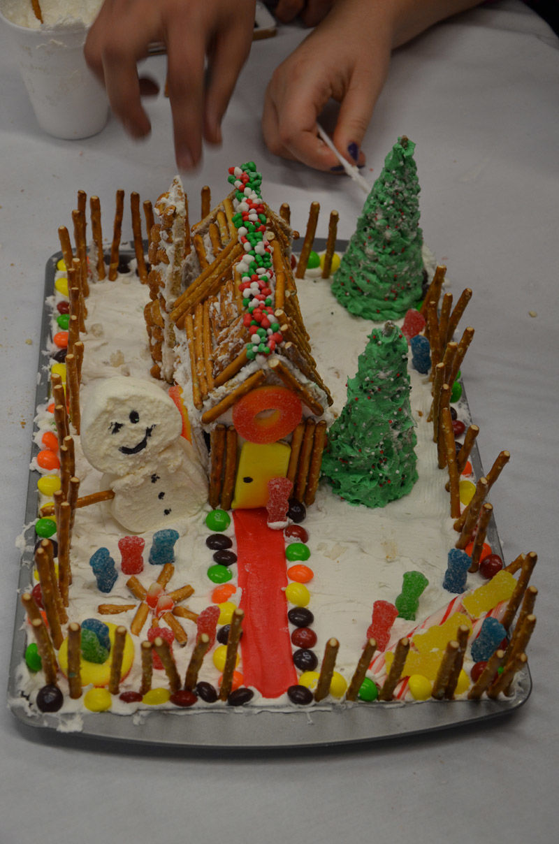 holiday roundup gingerbread house.JPG