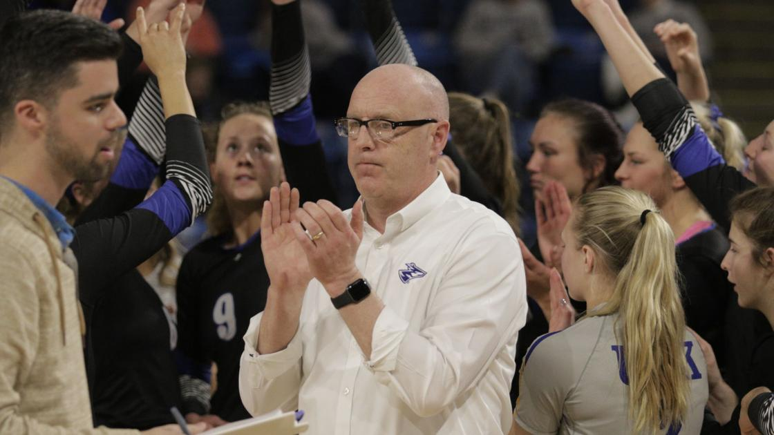 Lopers advance to conference championship game