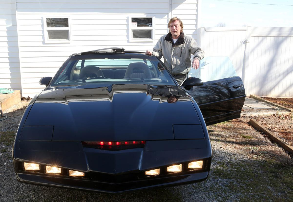 'I Build Knight Rider Cars': Obsession With 1980s TV Show