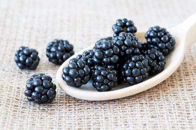 health-blackberries-20200603