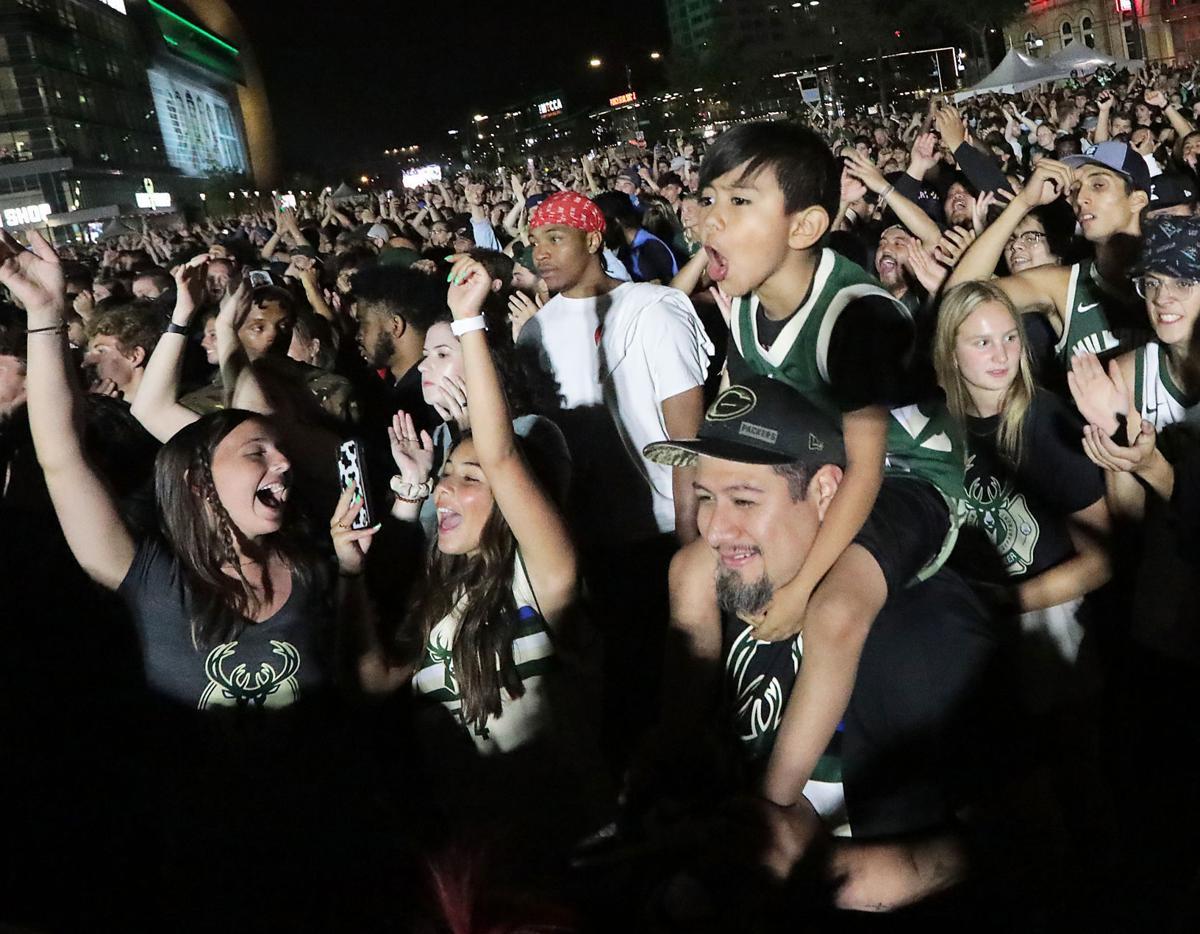 Bucks fans cheer