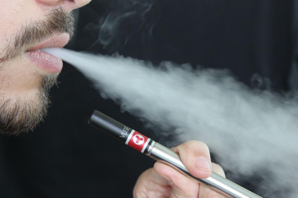 e-cigarette-1301670.jpg