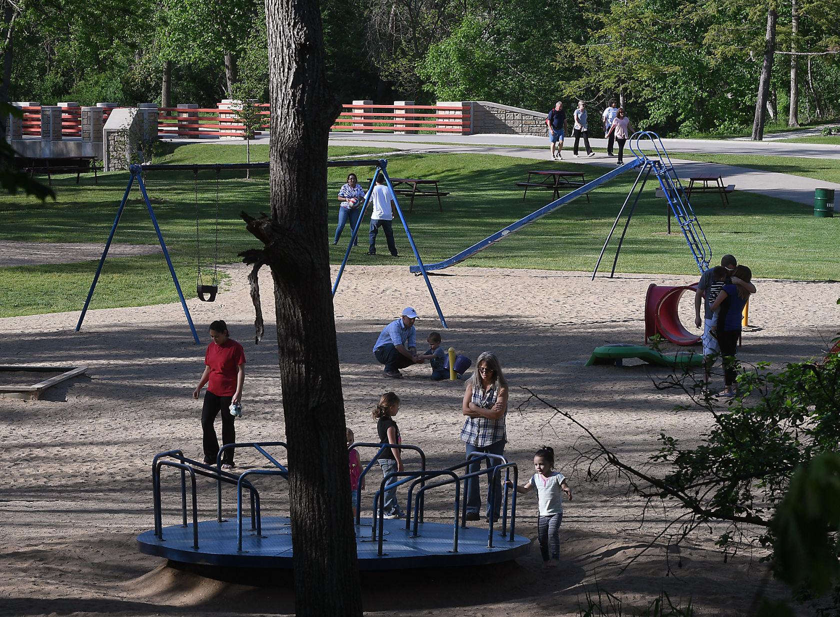 Petrifying springs park wedding