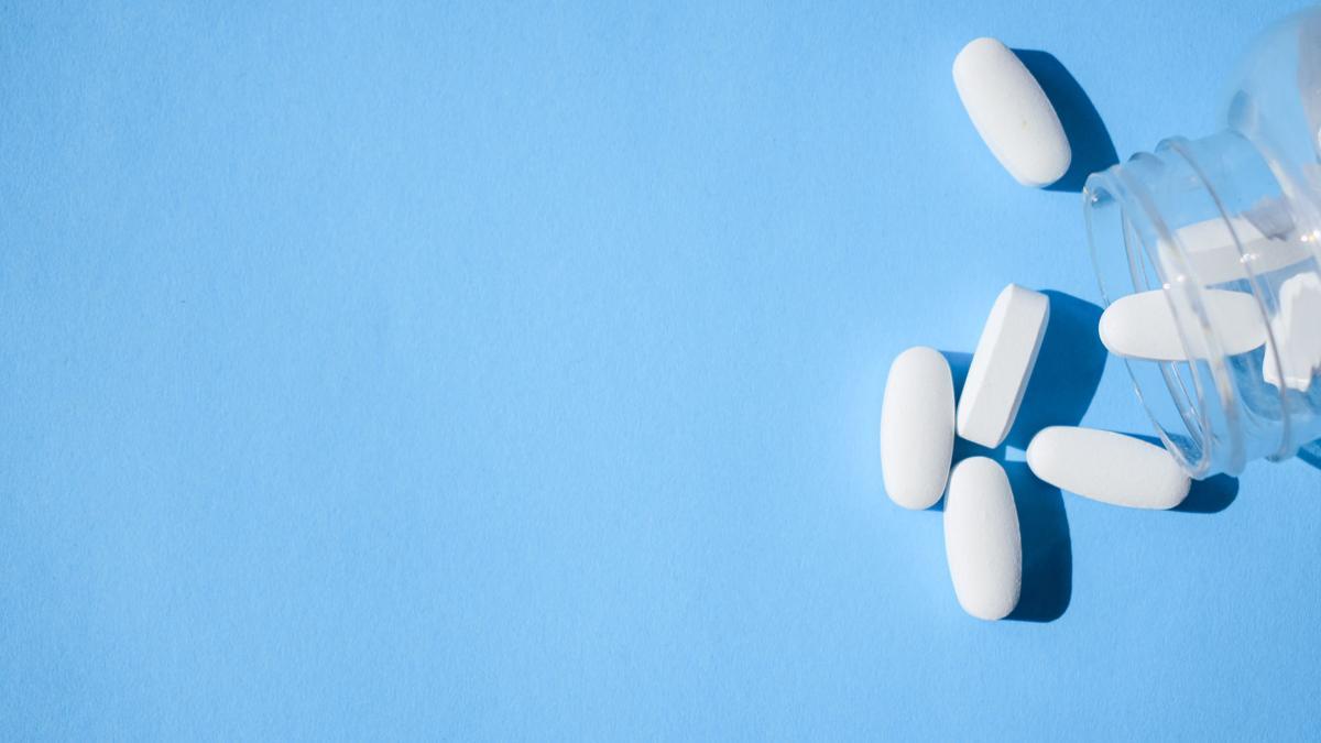 opioids on blue
