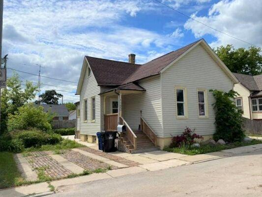 2 Bedroom Home in Racine - $85,000