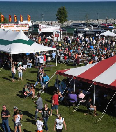 Beautiful Weather Attracted A Large Crowd To Taste Of Wisconsin In 2017 The Festival Returns Starting Friday