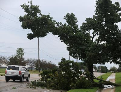 Storm knocks out power to 10,000 in county