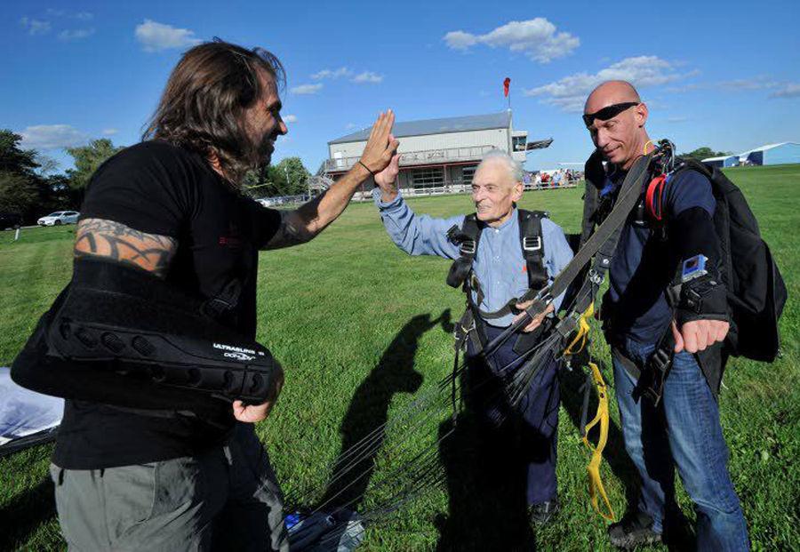 franklin gail skydiving 1.jpg