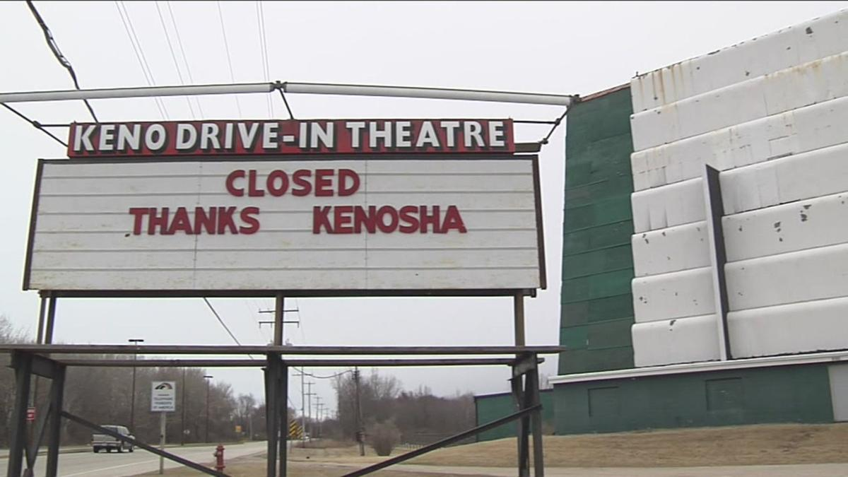 Keno Outdoor theater closed sign