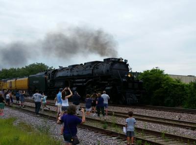Big Boy passes through Kenosha County