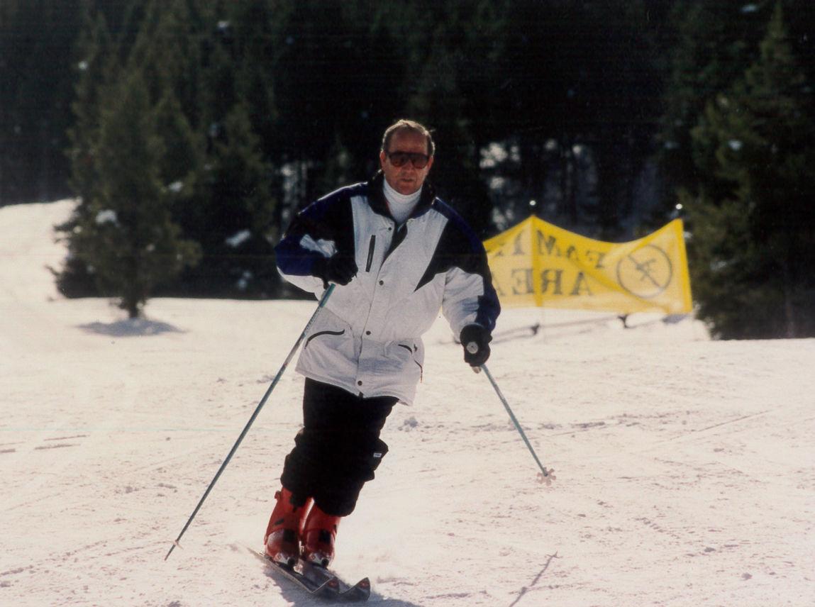 Corky skiiing