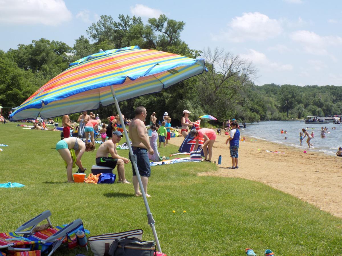 Beaches Silver Lake umbrella and scene 2018