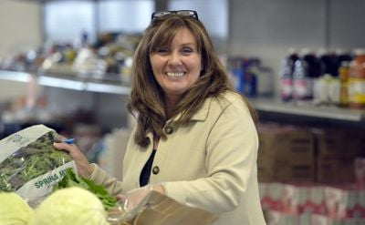 Snapshot Shalom Center Food Pantry Manager Does It All News
