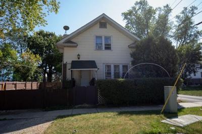 3 Bedroom Home in Waukegan - $99,000