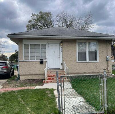 2 Bedroom Home in Waukegan - $69,000