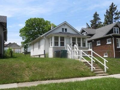2 Bedroom Home in Waukegan - $74,975