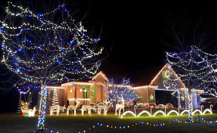 holiday lights displays set to music