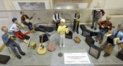 Burlington jam session attracts mix of musicians
