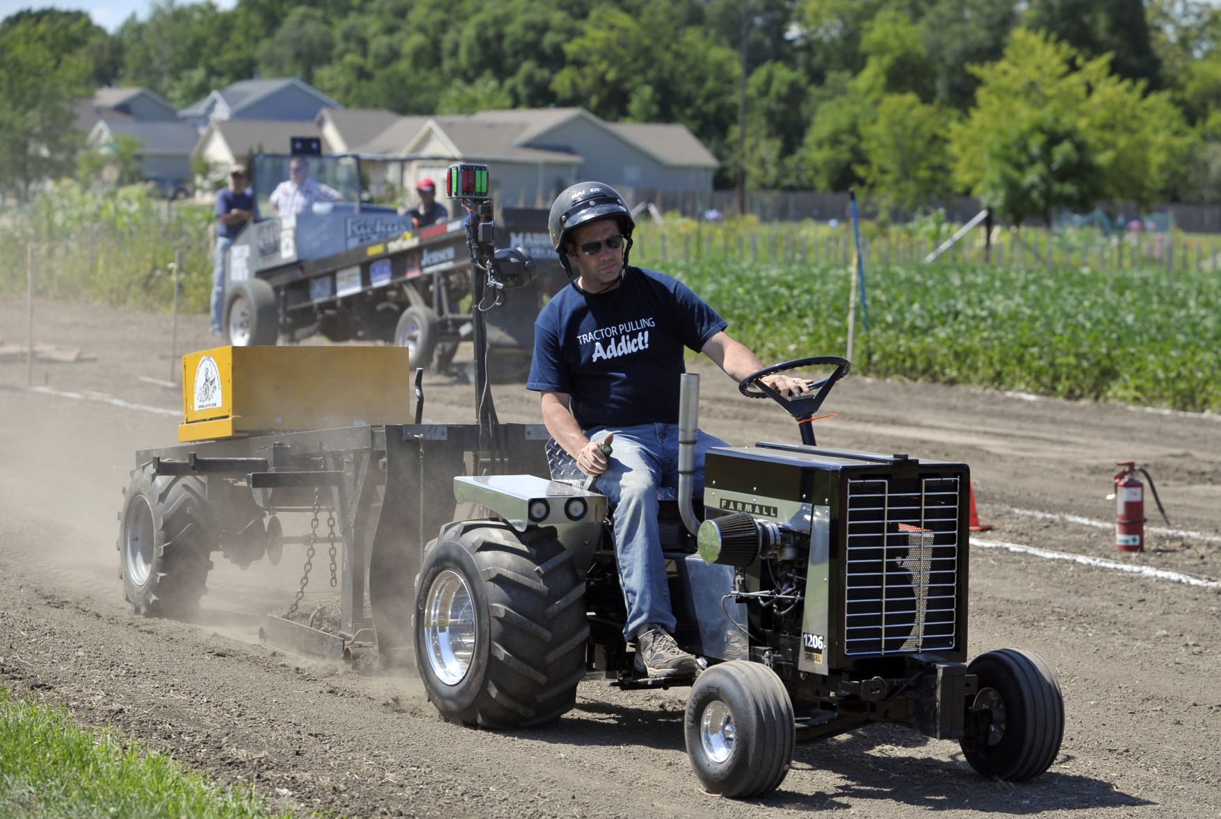 Garden Tractors Pull For Fun Competition Local News Kenoshanews Com