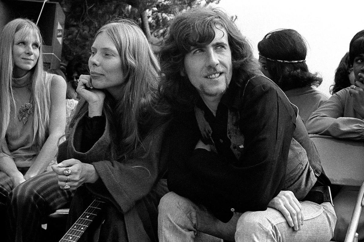 joni_mitchell_graham_nash_2
