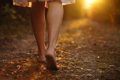 barefoot ground