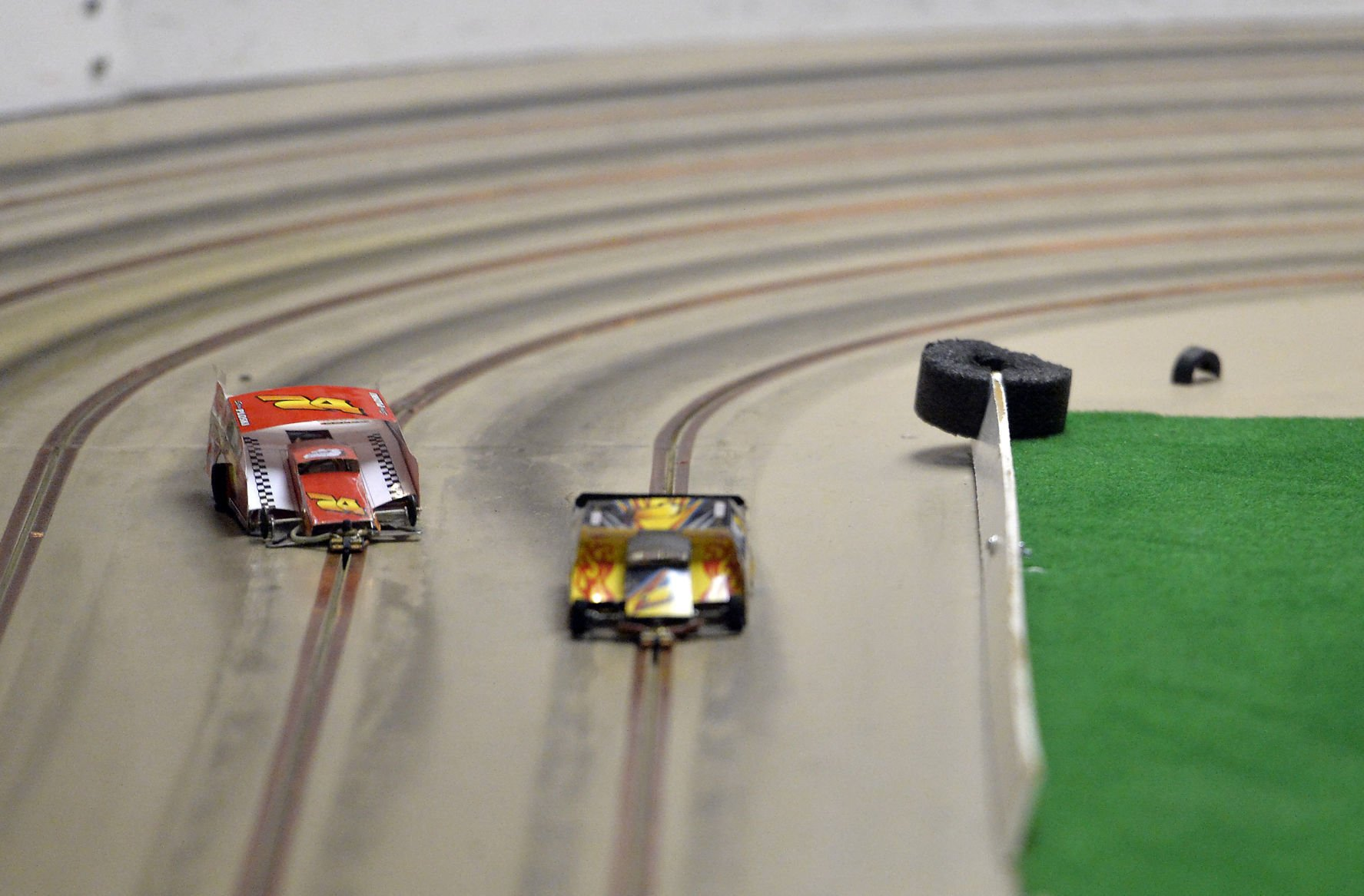 "SLOT CARS Street Sign race slotcar trucks collector toys Indoor//Outdoor 18/"""