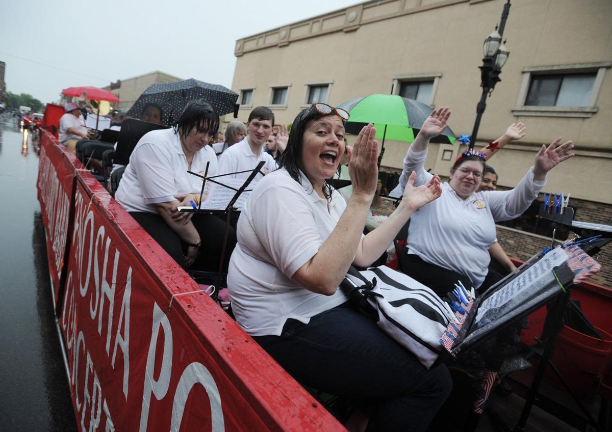 Pops Band in rainy Civic Veterans Parade 2019