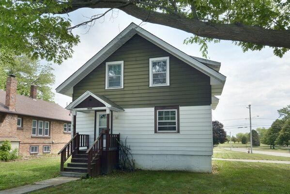 2 Bedroom Home in Zion - $94,900