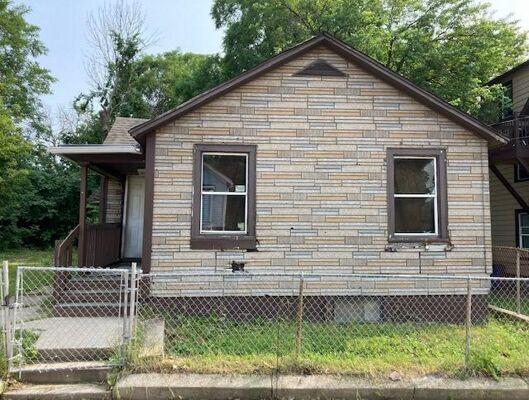 2 Bedroom Home in Racine - $39,000