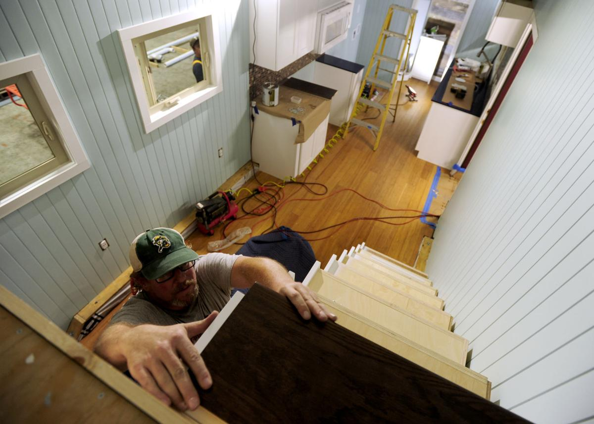 Tiny homes with special walls and locally made appliances ... on 1000 sq ft. small homes, 400 sq ft. small homes, tiny key west homes, busses from tiny homes, tiny pueblo homes, mini custom homes, pod homes,